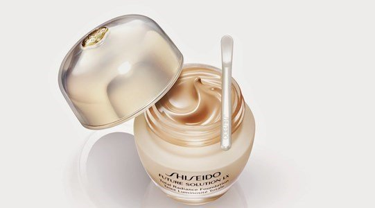 shiseido future solution lx total radiante foundation video
